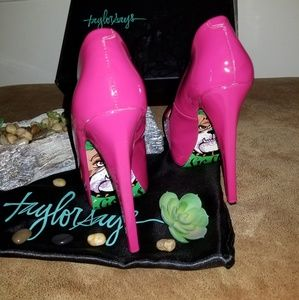 Taylor Says Shoes - Hells Bells Magenta Stiletto